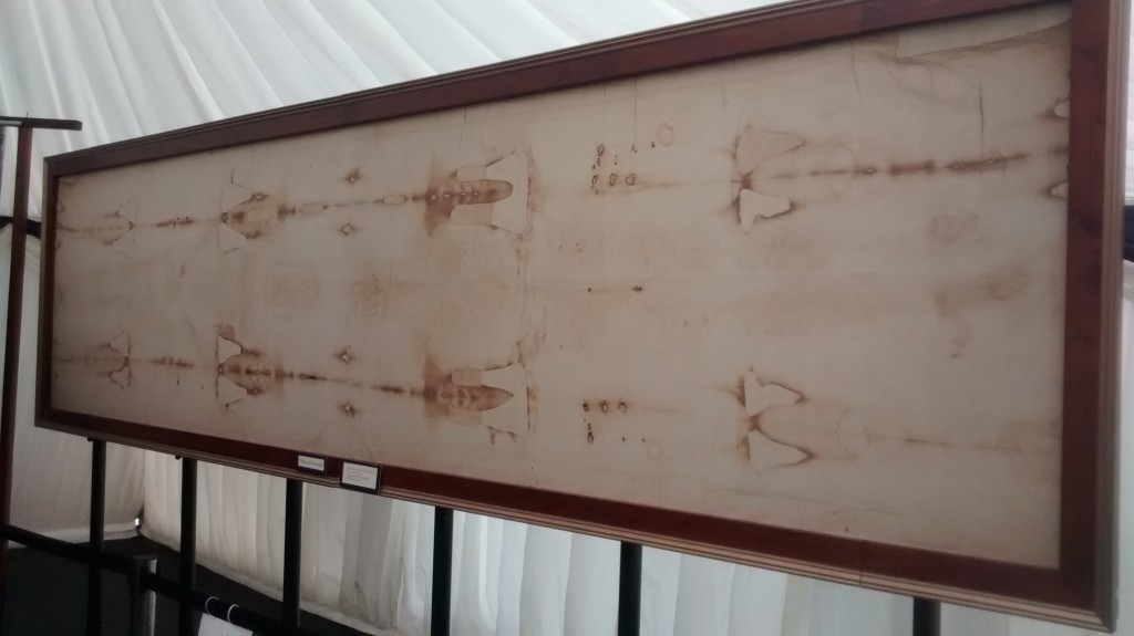 turin shroud display
